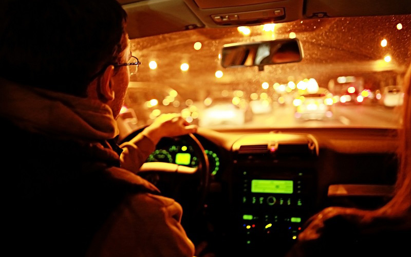 10 Holiday Driving Safety Tips