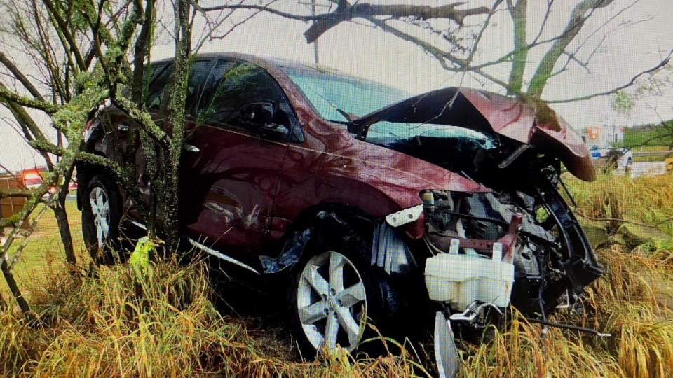 Single-Vehicle Crash Takes Man's Life in Lasara